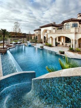 Dream House, Villa